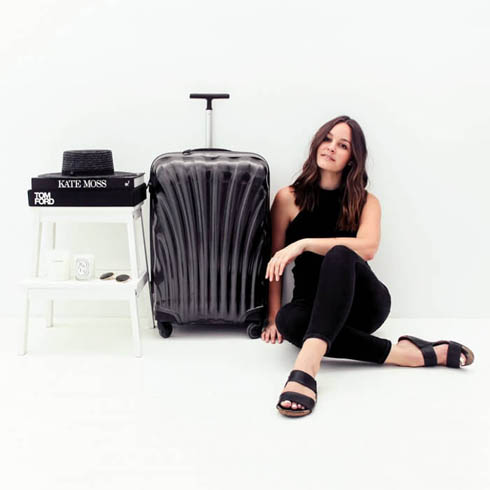 blogger Beck Wadworth of An Organised Life Design next to her classic black Cosmolite.